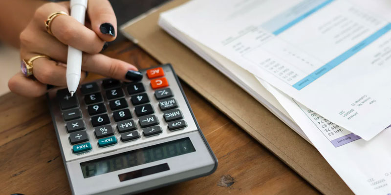 What Can I Expect to Pay for Closing Costs?