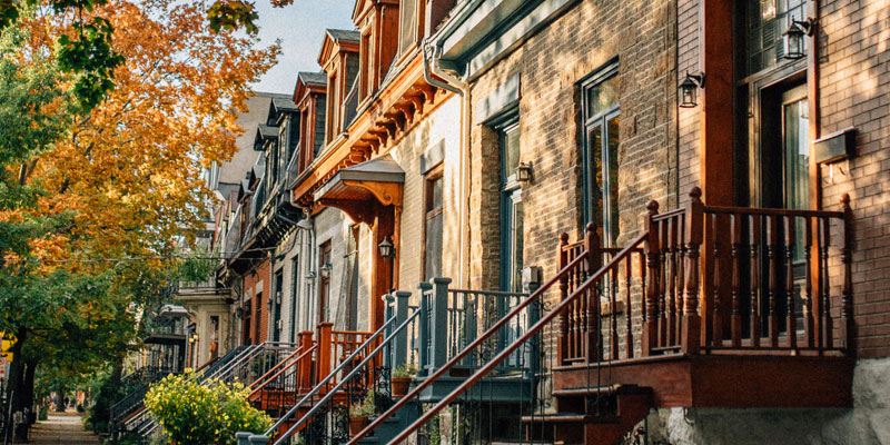 Buying a Townhouse – Is Freehold or Condo Better for You?